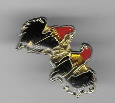 Vintage Cock Rooster Chicken Fighting b2 old enamel pin