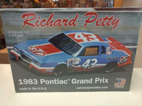Salvinos JR Models RPGP1983T Richard Petty 1983 Grand Prix model kit