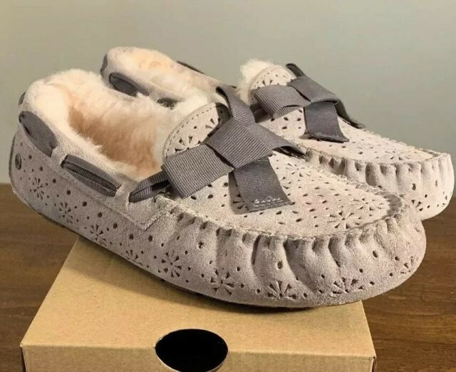 52be0e2545e UGG Womens Dakota Sunshine Bow Suede SLIPPER Moccasin US 7/eu 38 Seal Grey