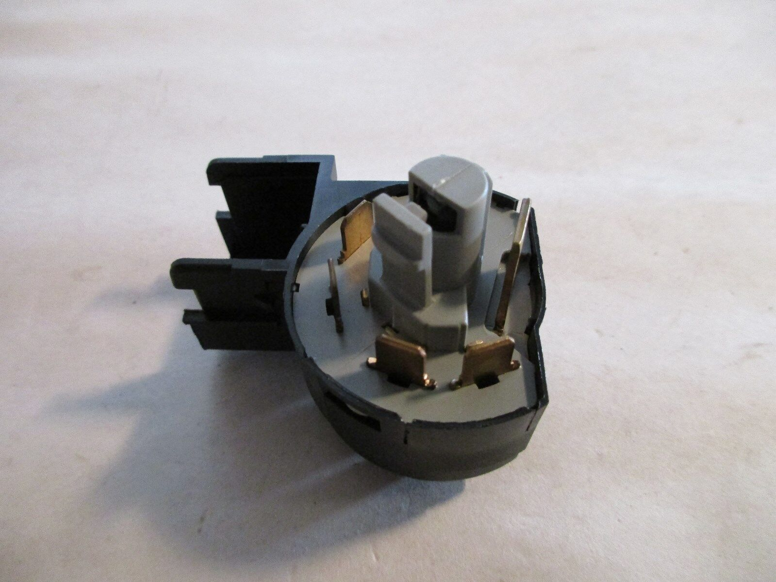 Formula Auto Parts ISS157 Ignition Switch Fits Cadillac OE #90505912