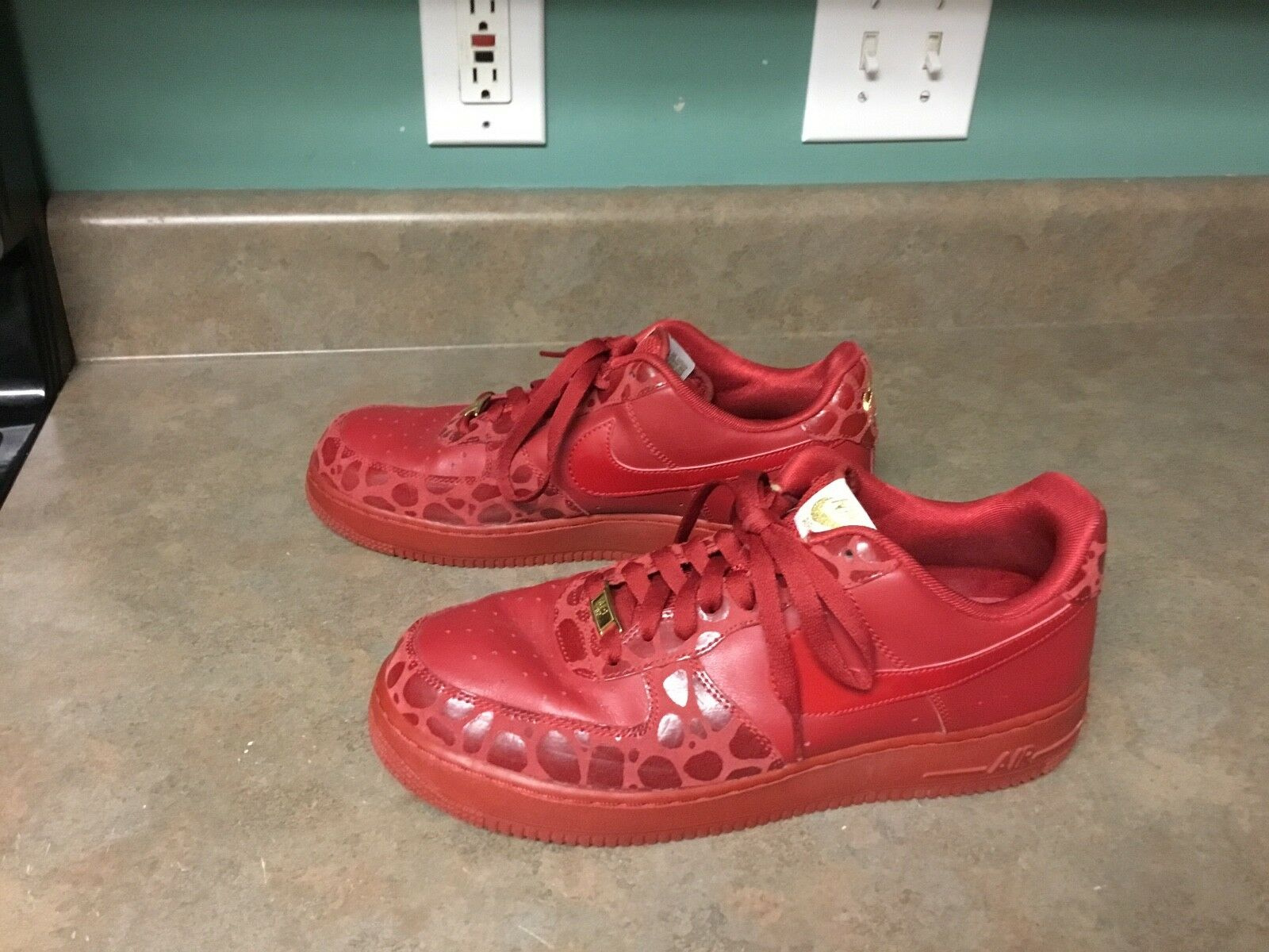 Women's Nike Air Force 1 '07 Valentines Day Red/Gold 315115-600 Size 12