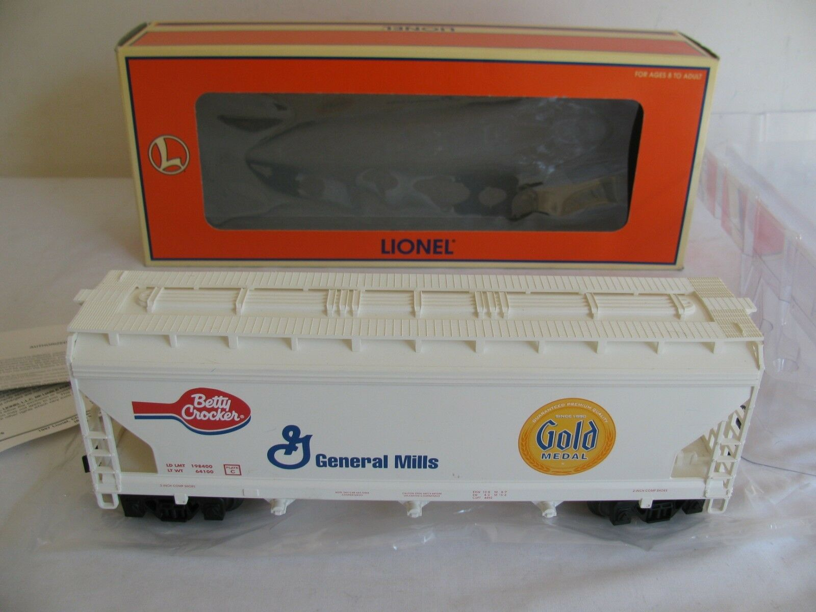 Lionel Trains O Scale General Mills gold Metal 3 Bay Covered Hopper EX