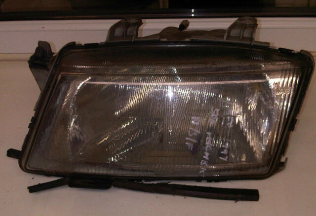 SAAB 900 Near Side Front Headlamp Light 1994 - 1998 LH LEFT HAND LAMP 4240255