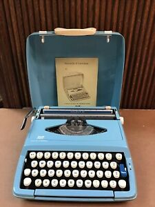 SMITH-CORONA ENGLAND Vintage Typewriter Cougar II In Case With Paperwork