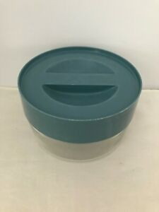Vintage-Pyrex-Ware-7080G-Glass-Storage-Container-w-Blue-Recessed-Plastic-Lid