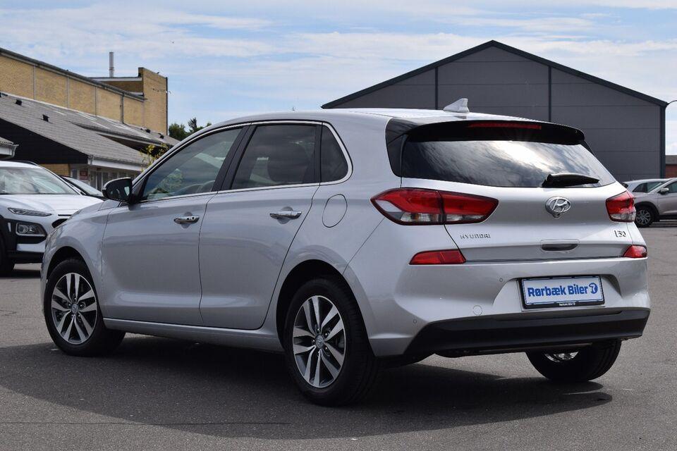 Hyundai i30 1,6 CRDi 110 Premium Diesel modelår 2017 km