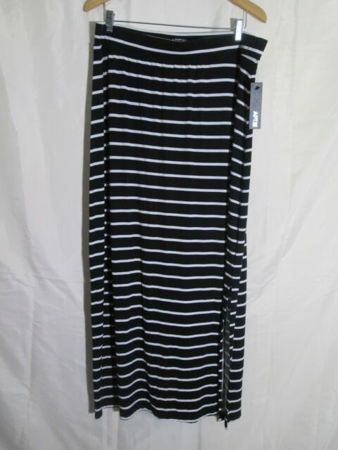 fd7b809187 Apt 9 Women s Black   White Striped Pull on Long Rayon Maxi Skirt Sz XL NWT