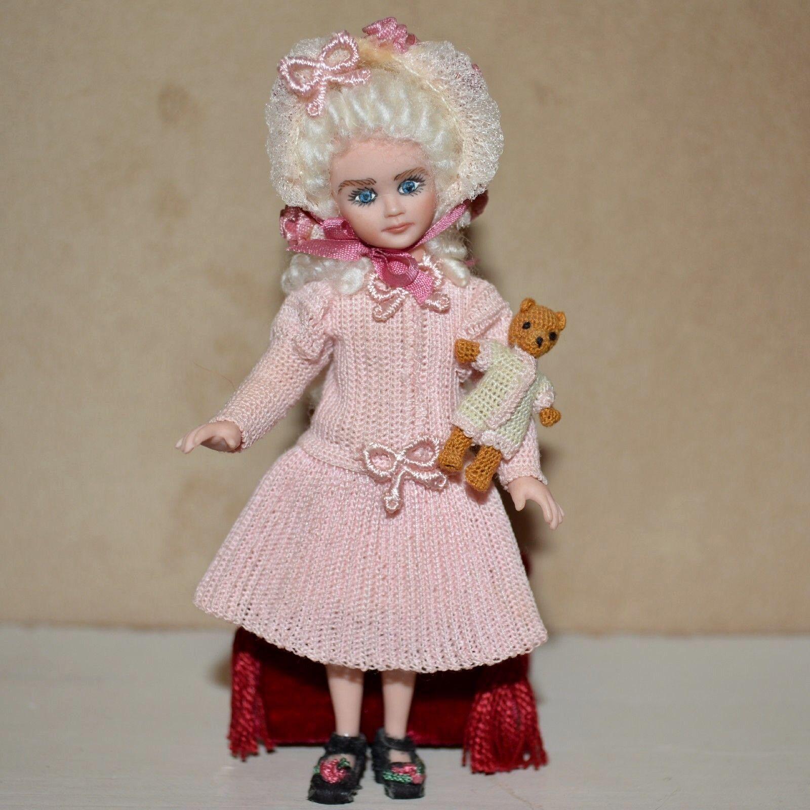 Muñeca De Porcelana En Miniatura Casa de muñecas deTheHundrossosDiamond