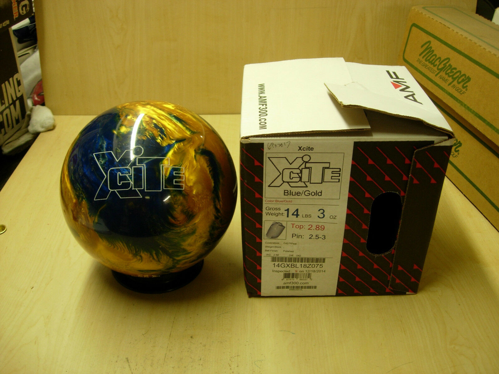 = 14ox,TW 2.89,  AMF XCITE Bowling Ball bluee gold