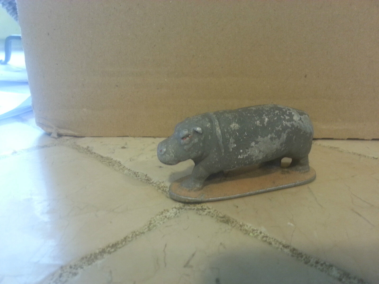 Quiralu hippopotame animaux afrique plomb