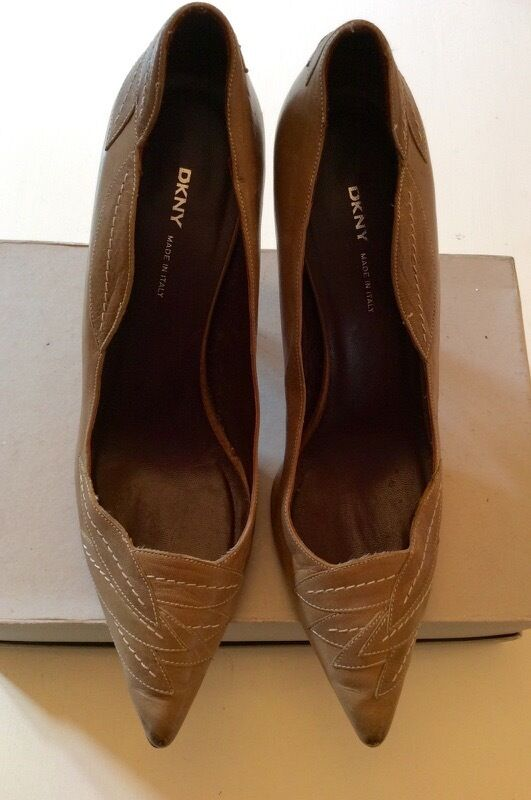 DKNY Fawn in pelle Stitch FOGLIA Trim tutte le scarpe misura con tacco in pelle misura scarpe 6/39 ee55c7