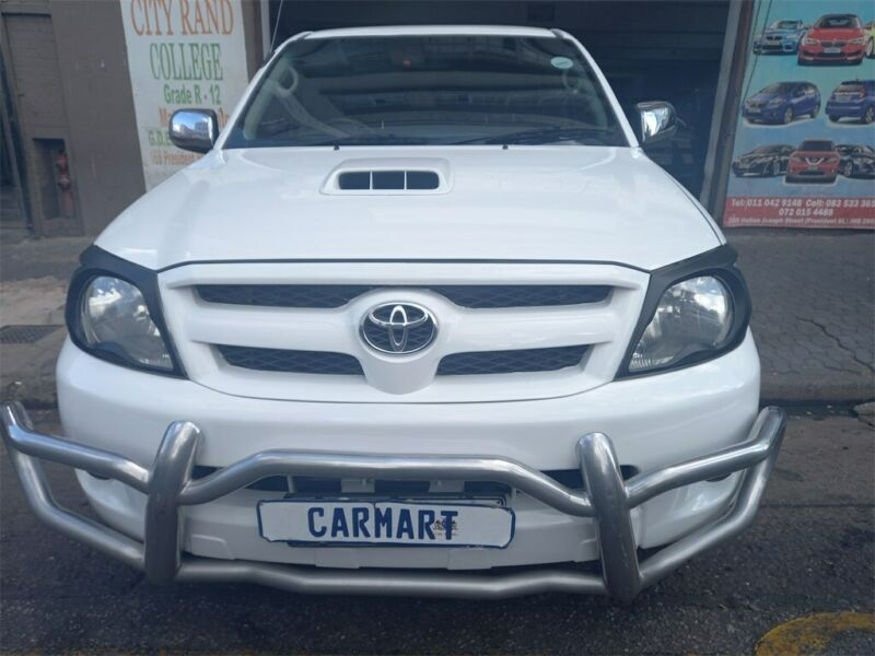 2008 Toyota Hilux 3.0 D-4D D/Cab 4x4 Raider, White with 109000km available now!