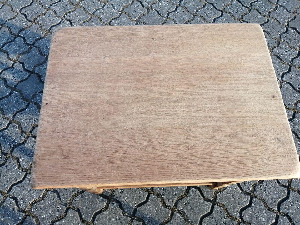 Sidebord, egetræ, b: 55 l: 40 h: 52