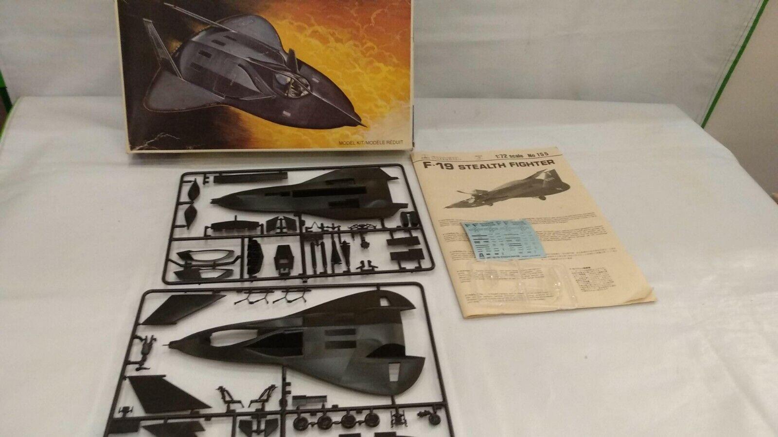 Vintage Italeri F-19 Stealth Top Secret Strike Fighter No 155 Model Kit  1 72