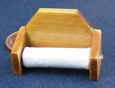 1:12 Scale Wood Wall Mounted Kitchen Roll Tumdee Dolls House Miniature D028