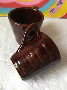 Brown-USA-Pottery-Drape-Swag-Star-Band-Coffee-Tea-Handle-Mug-Cup-Set-Lot-2