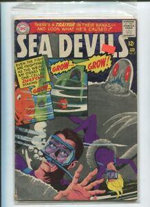 SEA-DEVILS-27-VG-FN-A-Traitor-in-their-Ranks-Silver-Age-DC-Comics-1966