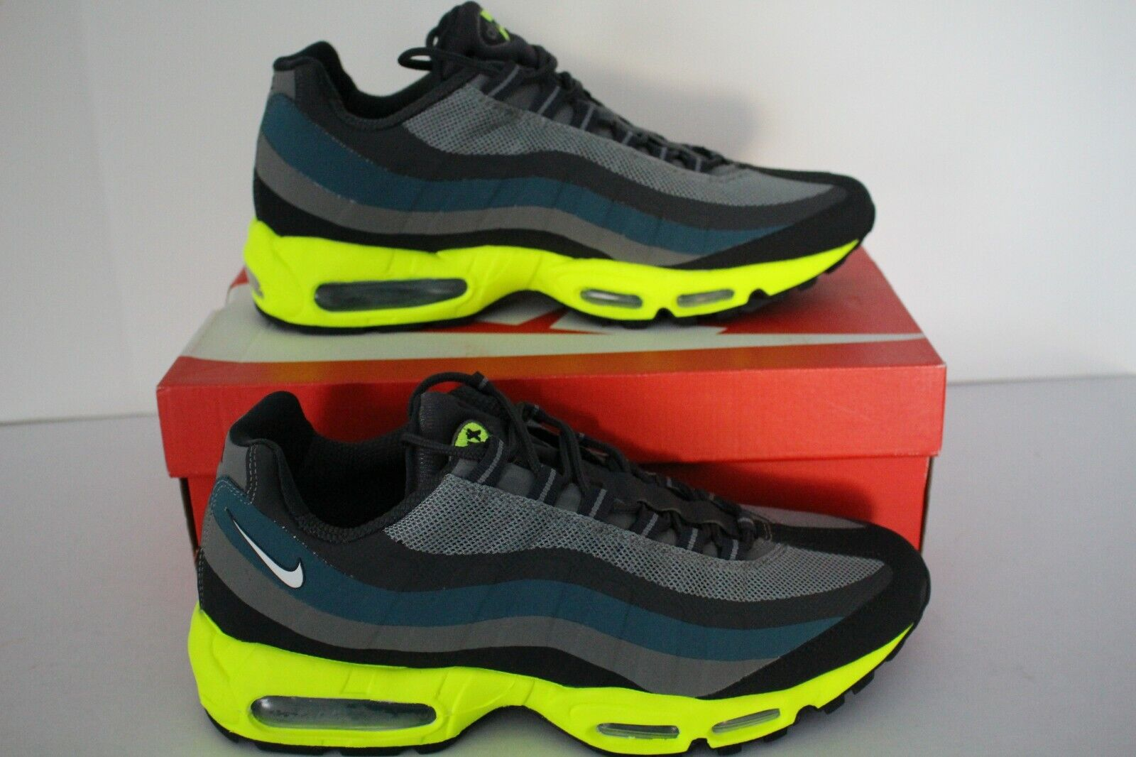 Rare Nike Air Max 95 No Sew Retro New Men's SuedeMesh Running GreyChilling Red