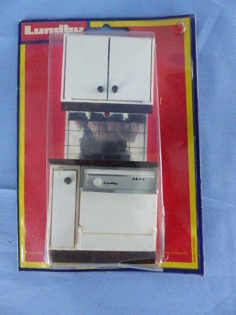 LUNDBY SWEDEN meuble cuisine Kitchen en boite d'origine ref: 2555 maison poupée