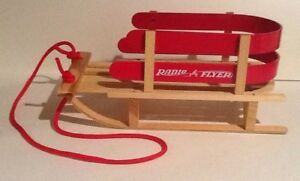 Teleflora Red Radio Flyer Wooden Sleigh Plant Stand Display Holiday