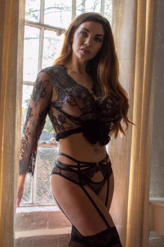 Perfect4U Plus Size Black Lace Suspender Belt Set /& Thong 12,14,16,18,20,22,24