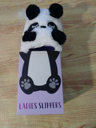 Women/'s Panda-Monium Bedroom Slippers Size Medium 6 1//2 to 7 1//2 NIB!