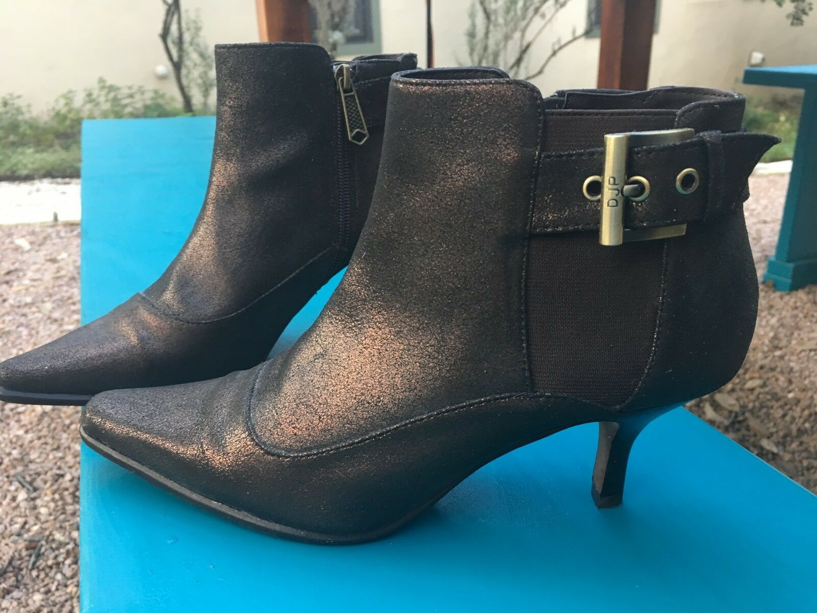 Donald j Pliner metallic leather pointed-toe ankle boots Sz 7 - gorgeous