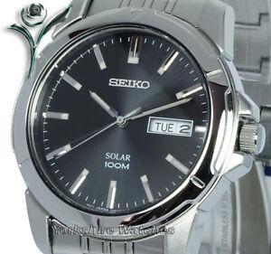 New-SEIKO-SOLAR-Black-Dial-Stainless-Steel-Bracelet-Day-amp-Date-SNE093P1