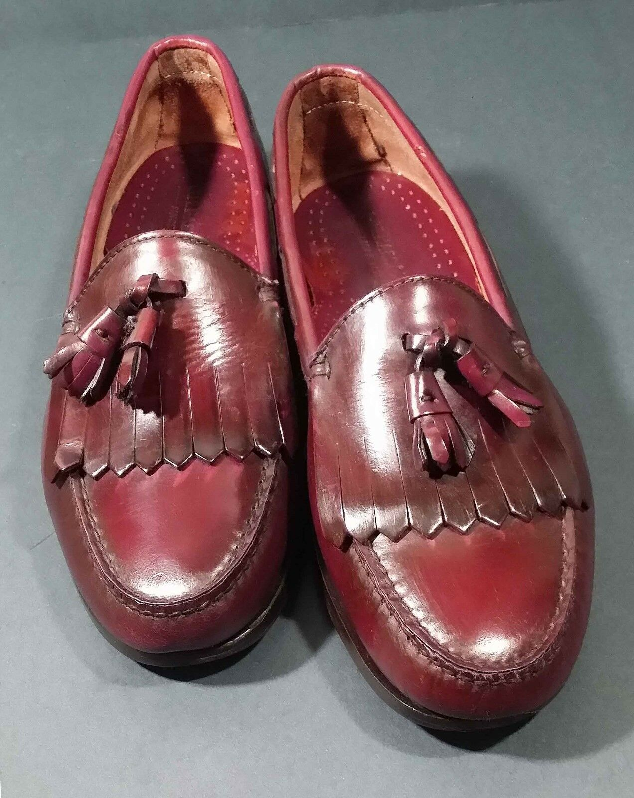 GH Bass & Co Sz 9 E  burgundy leather Weejuns loafer slip on shoe