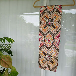 Vintage-Echo-Long-Butterflies-Silk-Scarf-Hand-Rolled-Edges-Excellent-57-034-x-9-034