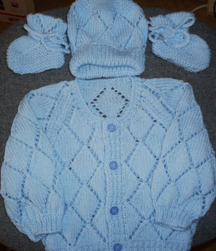SZ 000 BLUE 3 piece BABY SET HAND KNITTED BRAND NEW