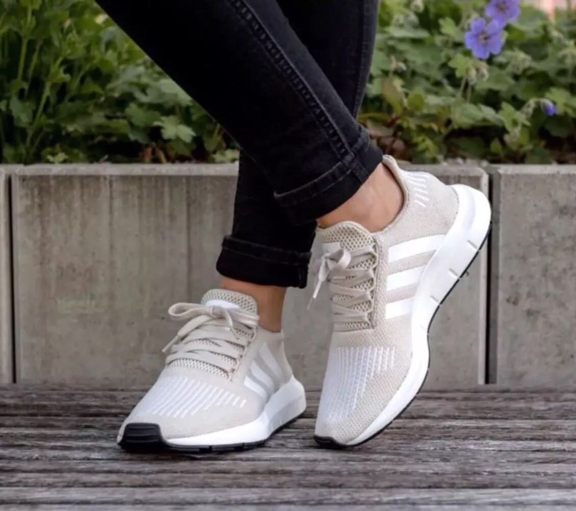 New Adidas Swift Run Sport Shoes Women's  SZ 9 US