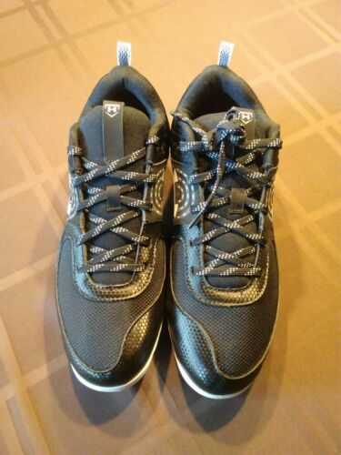 Under Armour Women/'s Glyde Low Molded Softball Cleats Black Size 9 BNIB