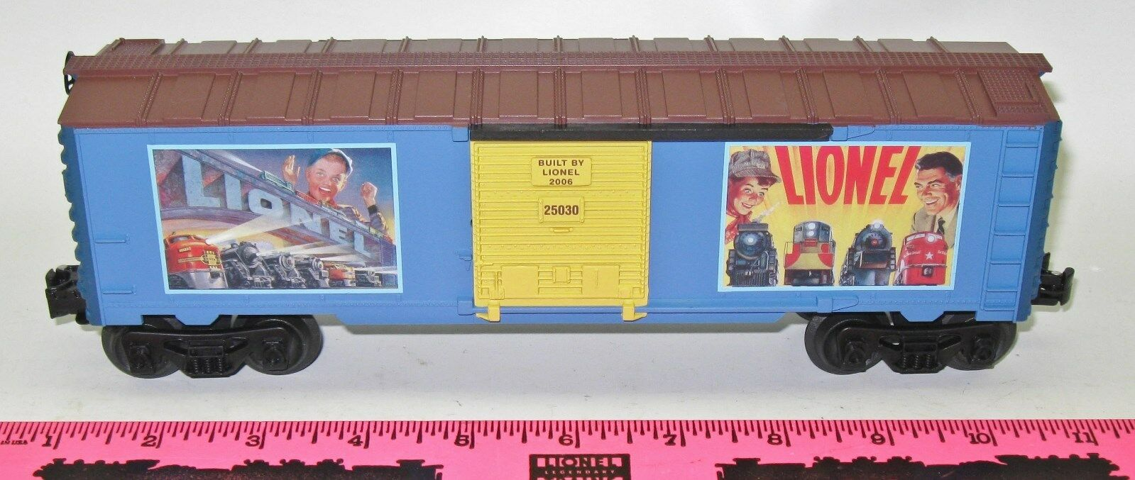 Lionel New 25030 boxcar with vintage lionel artwork