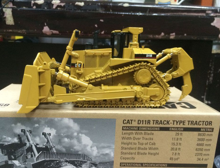precios mas bajos Nuevo Caterpillar Cat D11R Pista Tipo Casino Casino Casino 1 50 Modelo Diecast 85025 por DM  envío gratuito a nivel mundial