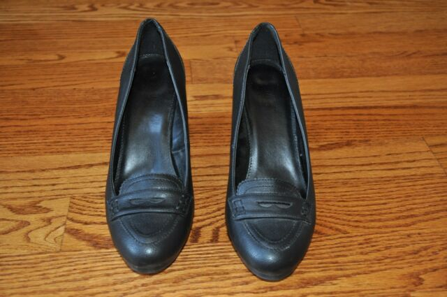 Womens CHAPS Black Leather Heels Size 9.5 M ~NICE~!!!!