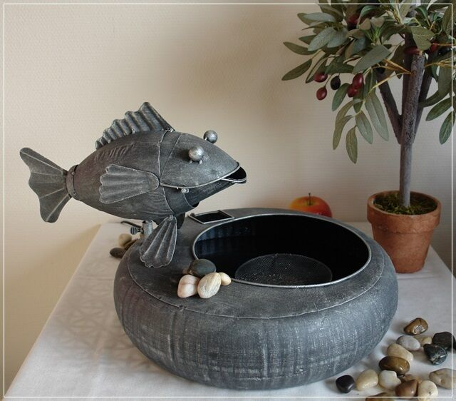 Brunnen Fisch Gartenbrunnen Wasserspeier Metall Grau im Used-Look Wasserspiel