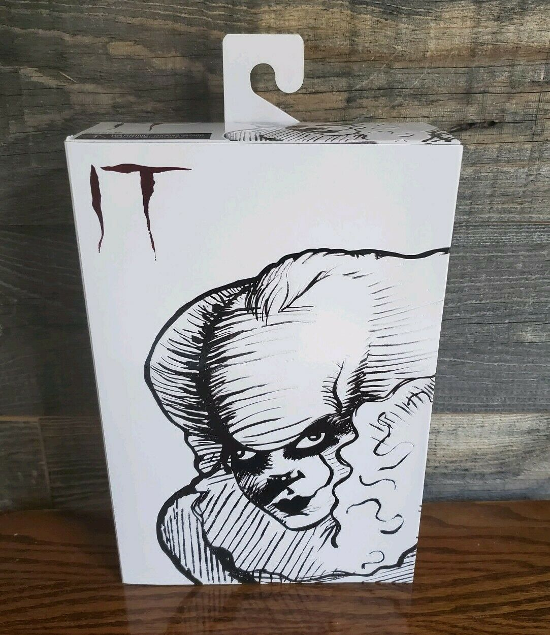 SDCC 2019 NECA IT etched Pennywise  nuovo, sealed
