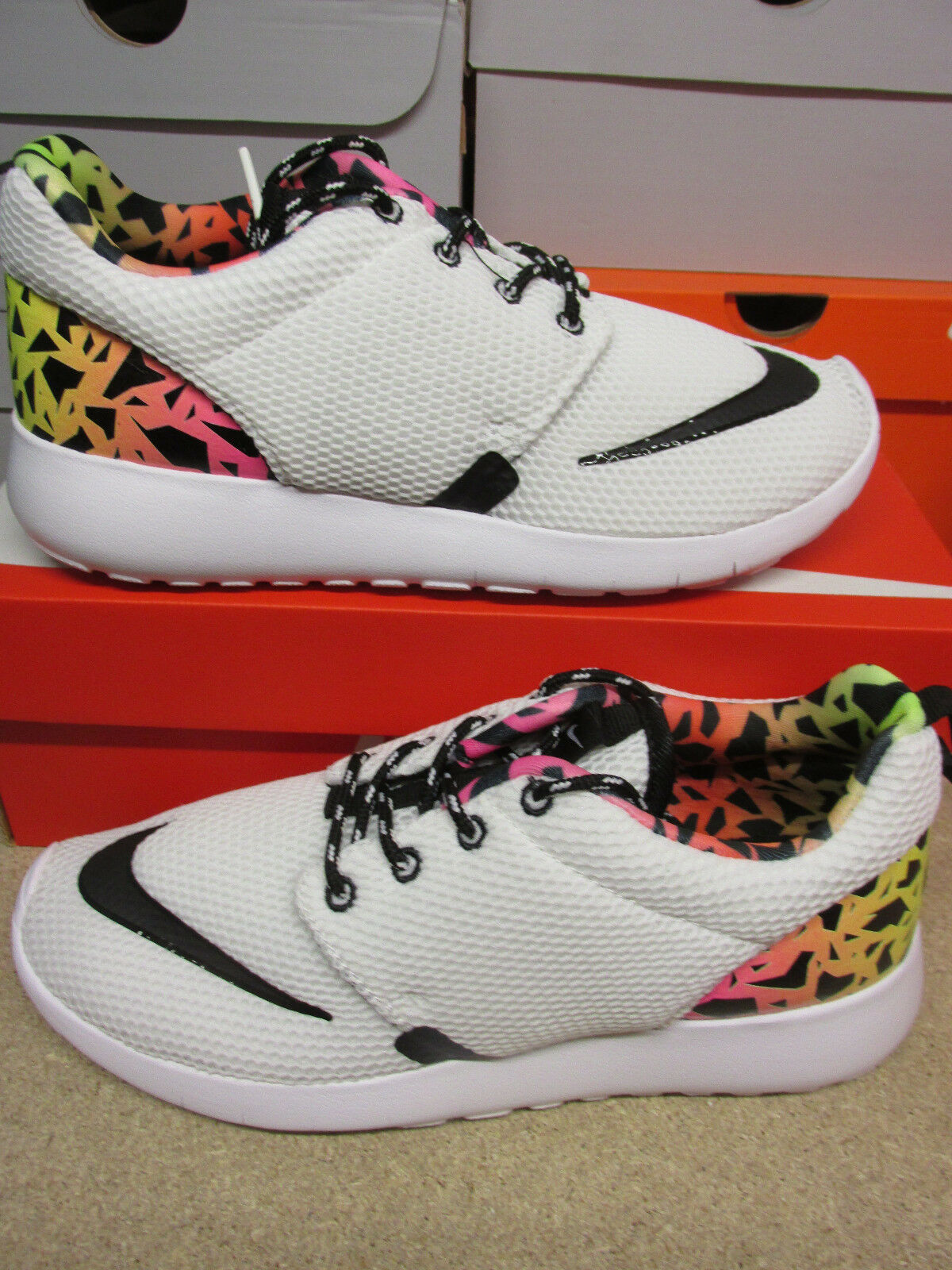 Nike Roshe One FB (GS) Running Trainers 810513 100 Sneaker Shoes