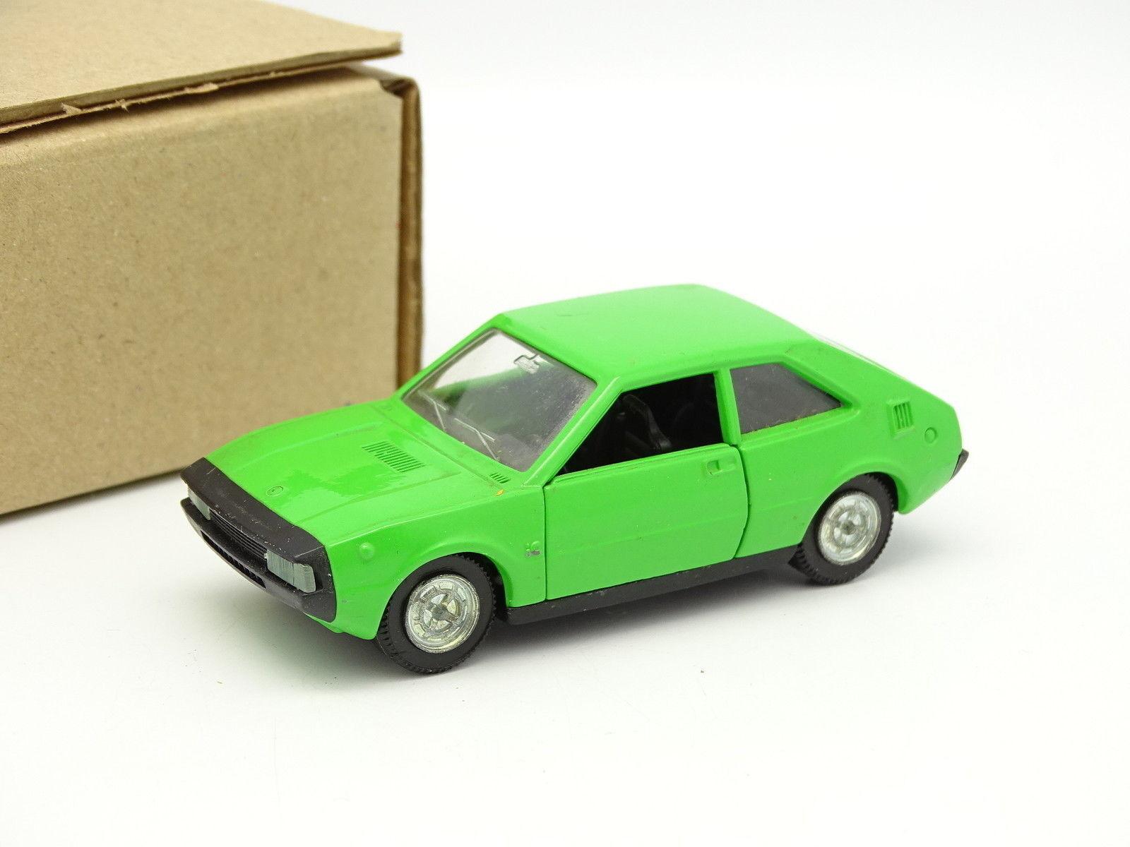 edición limitada en caliente Pilen Sb Sb Sb 1 43 - Seat 1200 verde  autorización oficial