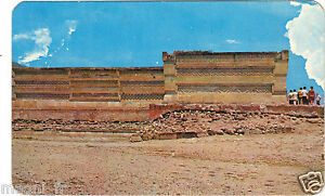 Mexique-View-at-the-Ruins-MONTE-ALBAN