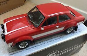 TRIPLE-9-1800133-FORD-ESCORT-RS2000-Mk-1-model-road-car-red-white-stripes-1-18th