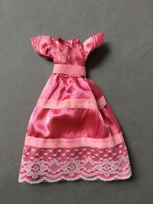 Abito In Raso Rosa Abito Strato Orlo In Pizzo Maniche Fit Sindy Barbie Doll Shimmyshim-mostra Il Titolo Originale
