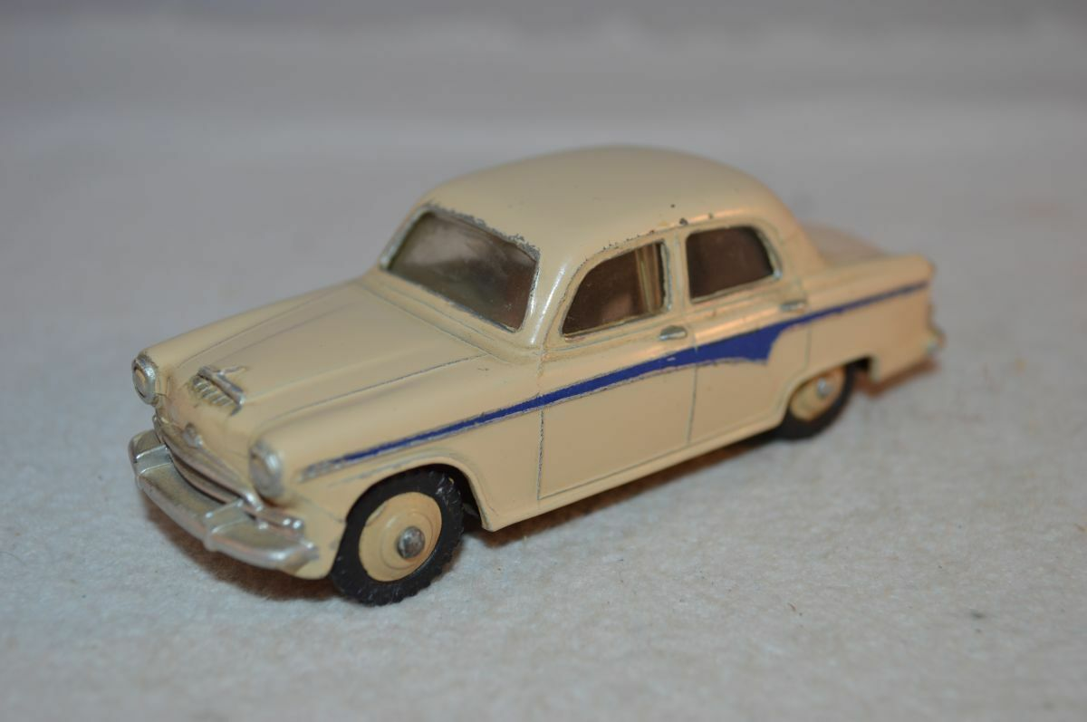 Dinky Toys 176 Austin A105 in excellent plus all original condition