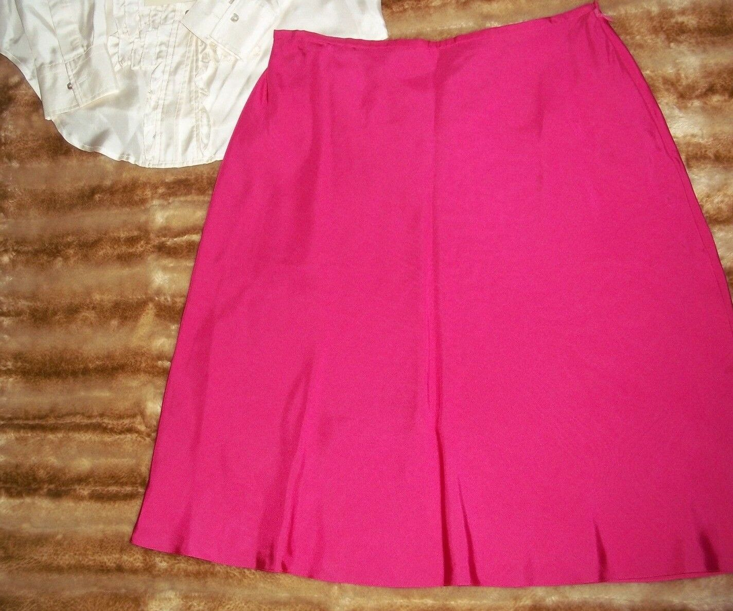 Ann Taylor Skirt 8 PETITE zipper,Silk,Straight, Pencil,  Lined