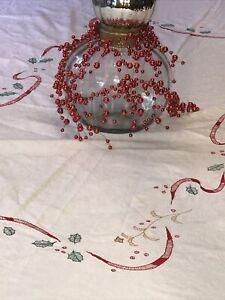 Embroidered Christmas Tablecloth 102 X 65 Scalloped Edge 100 Fine Cotton Ex Ebay