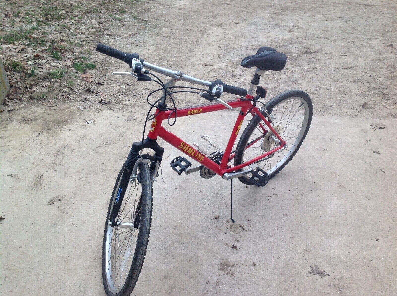 21 Speed Sunlite eagle 22 inch wheels, 18 inch frame, Mens Bike Red