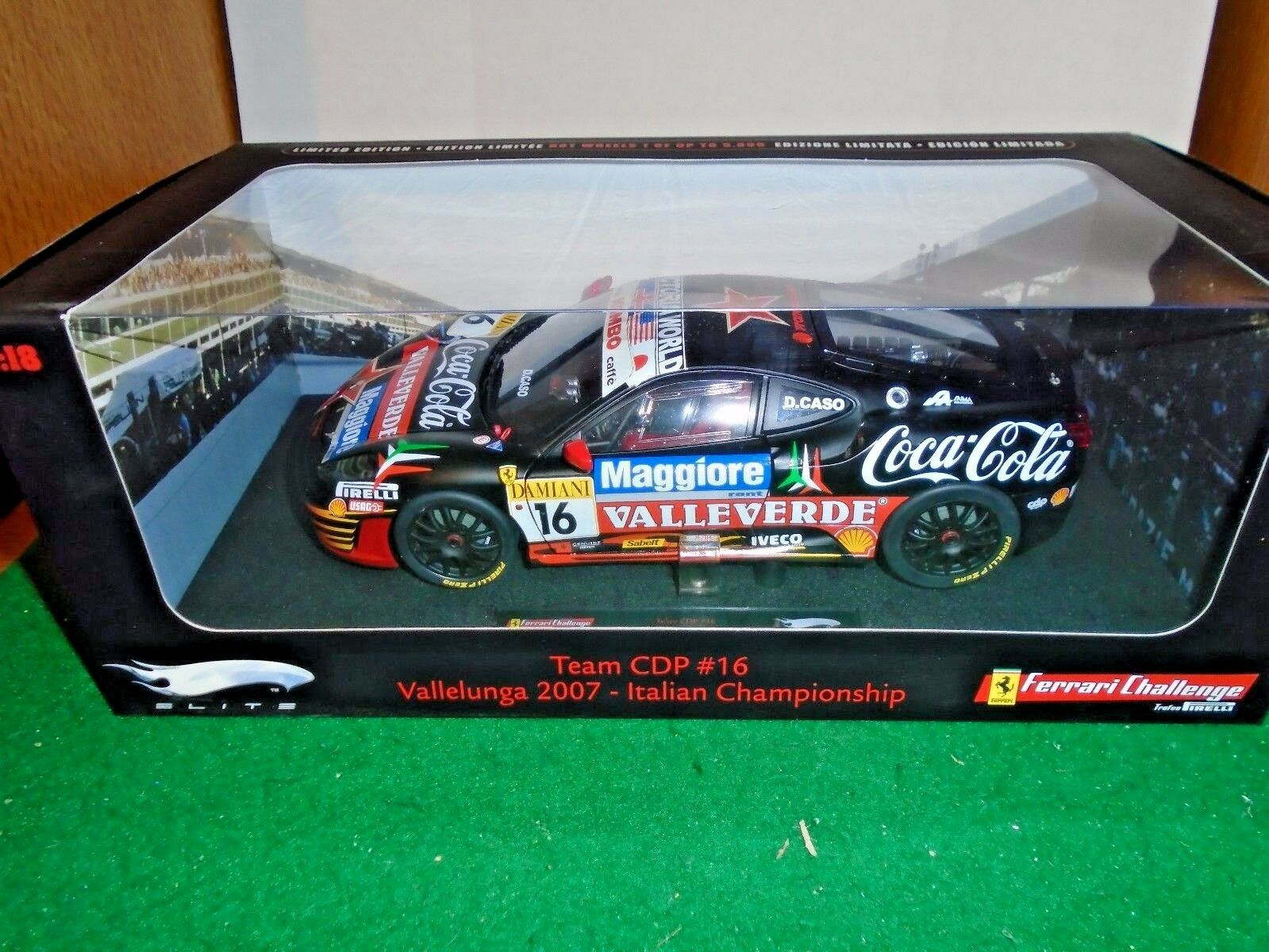 Ferrari F 430 Challenge  16 COCA COLA DIE CAST 1 18 par Hot Wheels Elite N 2069