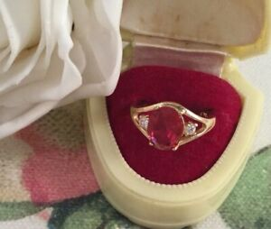 Vintage-Jewellery-Gold-Ring-with-Ruby-White-Sapphires-Antique-Deco-Jewelry-sz-6