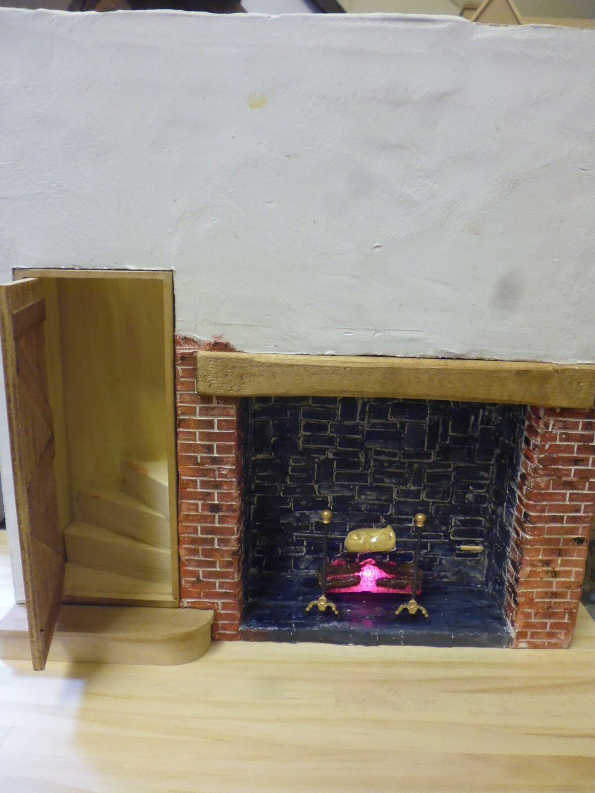 1 12 Dolls haus  Fire place surround Log Fire with Spit Roast   Lichts Up
